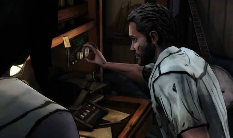 Pete e Michonne usando o rádio do navio