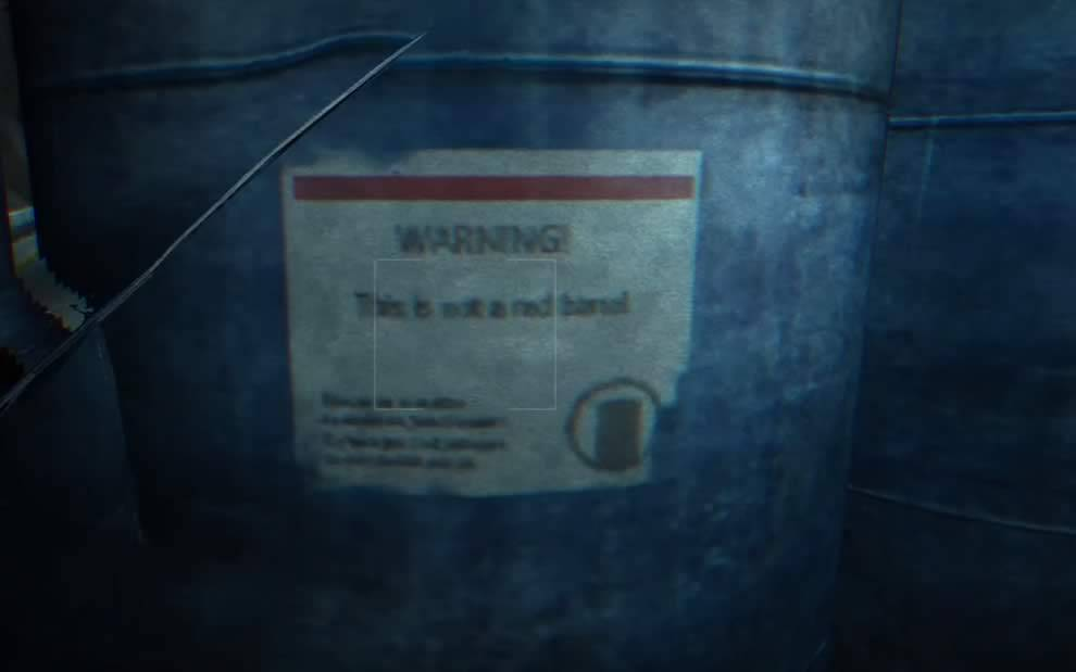 Outlast This is not a red barrel barril azul